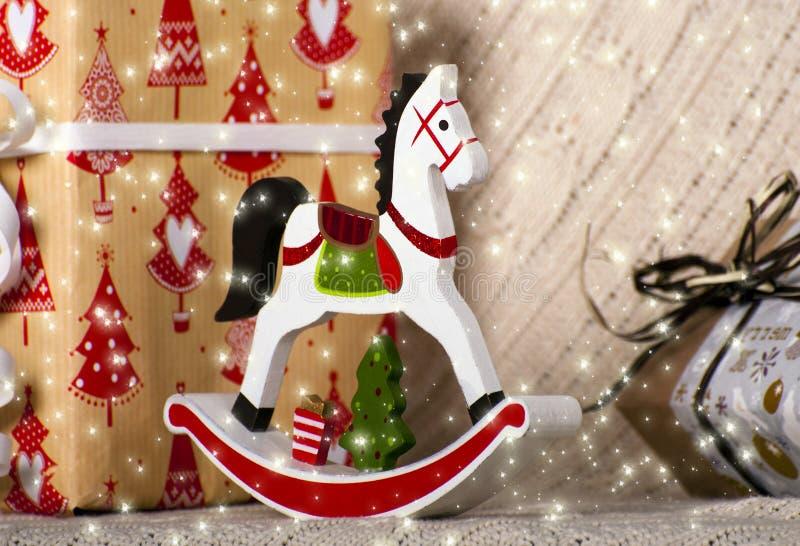 Caballo de madera del juguete de la Navidad imagen de archivo