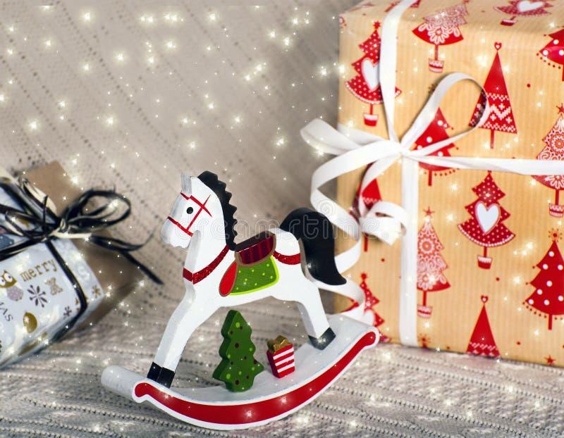 Caballo de madera del juguete de la Navidad imagen de archivo libre de regalías