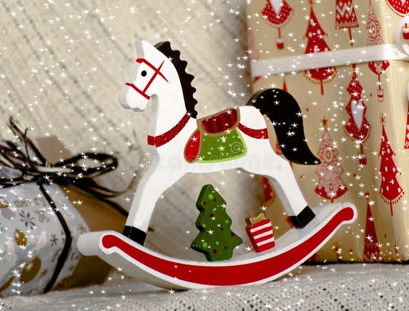 Caballo de madera del juguete de la Navidad fotos de archivo libres de regalías