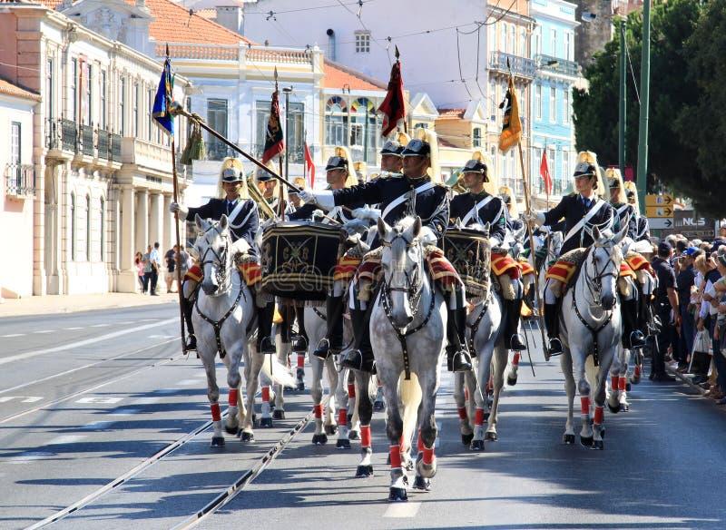 Caballos de Lusitano del montar a caballo del regimiento de caballería, Lisboa imagen de archivo