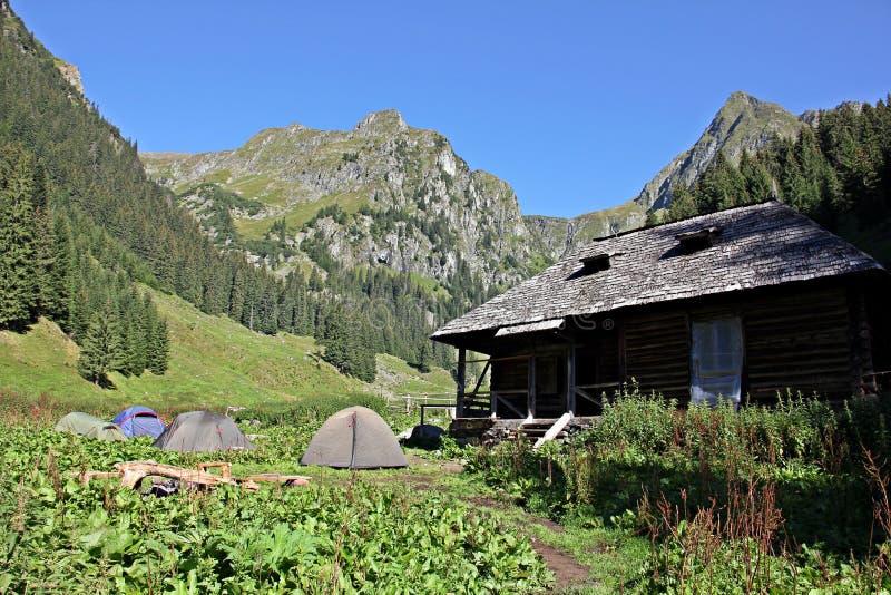 Cabana/abrigo/Sheepfold e barracas - local de acampamento imagem de stock royalty free