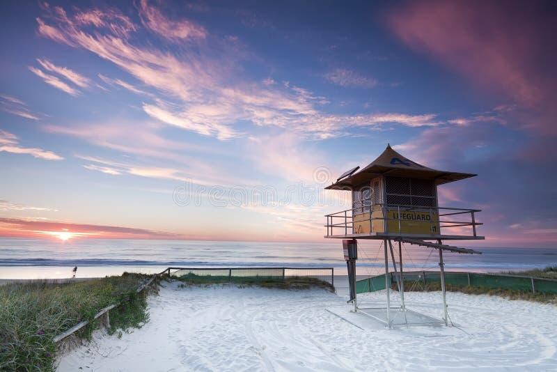 Cabana australiana do lifeguard (Gold Coast, Austrália) fotografia de stock