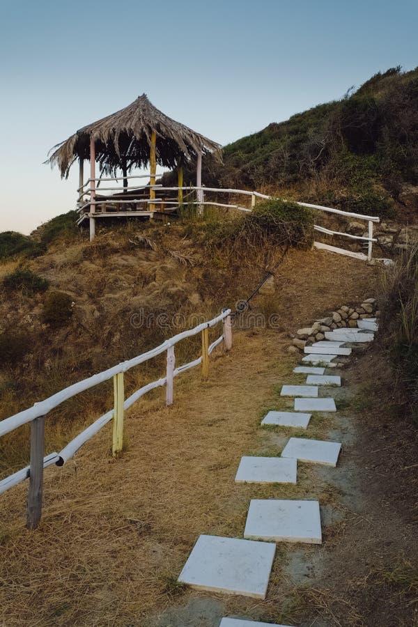 Cabana da palma na praia imagem de stock