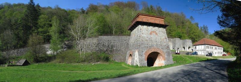 Cabana de Stara - objeto metálico velho perto de Adamov imagem de stock