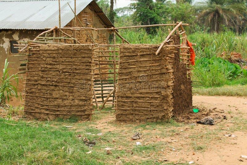 Cabana inacabado do pigmeu. fotografia de stock