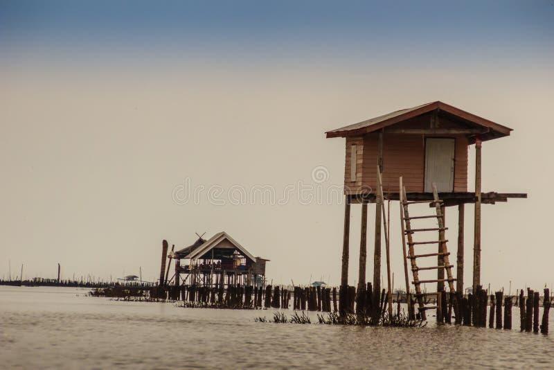 Cabana no mar que se usou para que o proprietário fique e guarde seu coc foto de stock