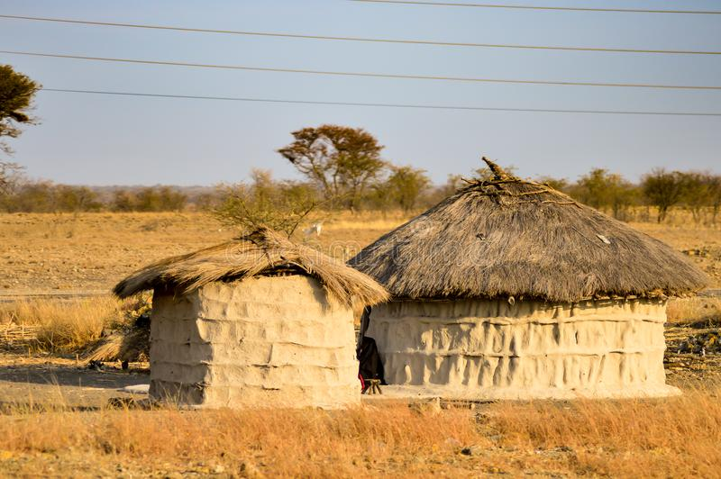 Cabana tradicional do massai feita foto de stock royalty free