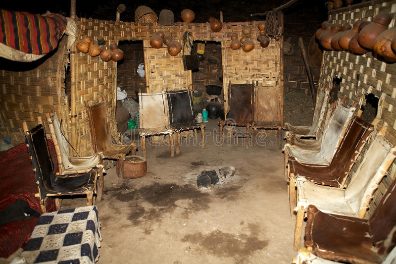 Cabana tribal africana imagens de stock