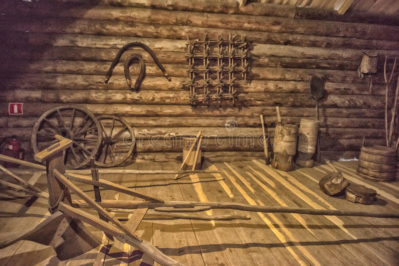 Cabana velha do registro do russo imagens de stock