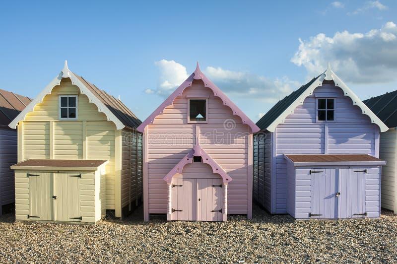 Cabanas da praia em Mersea ocidental fotografia de stock