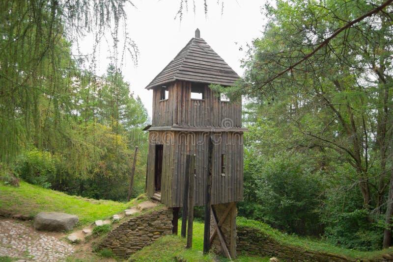 Cabanas de madeira tradicionais imagem de stock royalty free