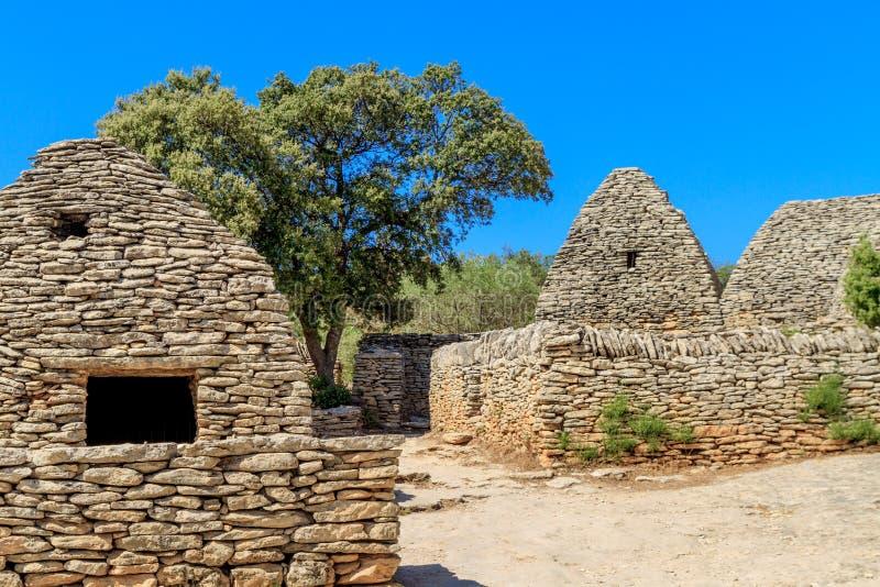 Cabanas de pedra no DES Bories da vila perto de Gordes imagem de stock