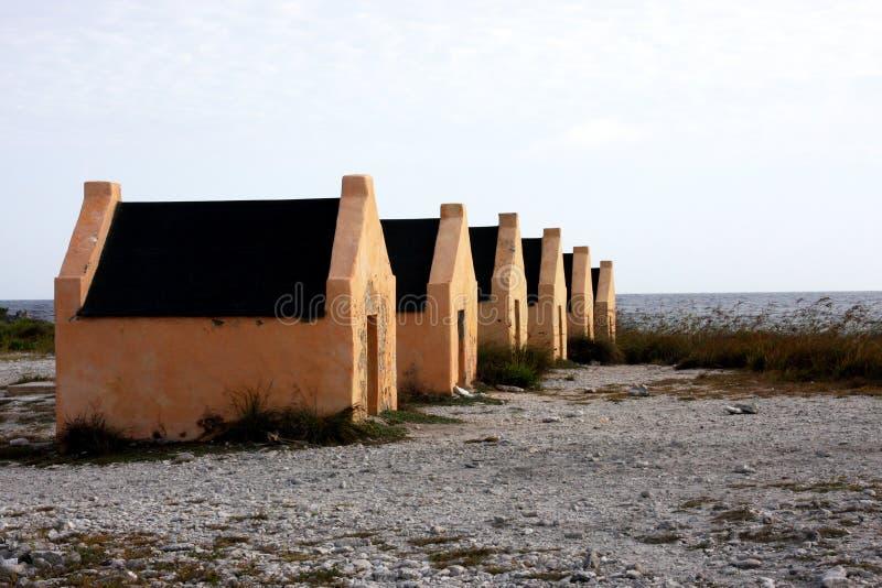 Cabanas do escravo na ilha de Bonaire imagem de stock royalty free