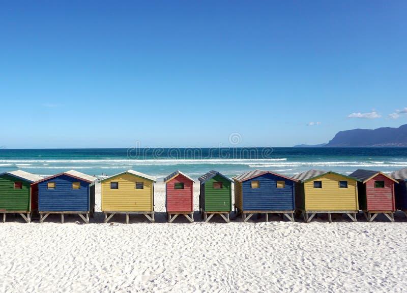 Cabanas em mudança em Muizenberg fotografia de stock royalty free
