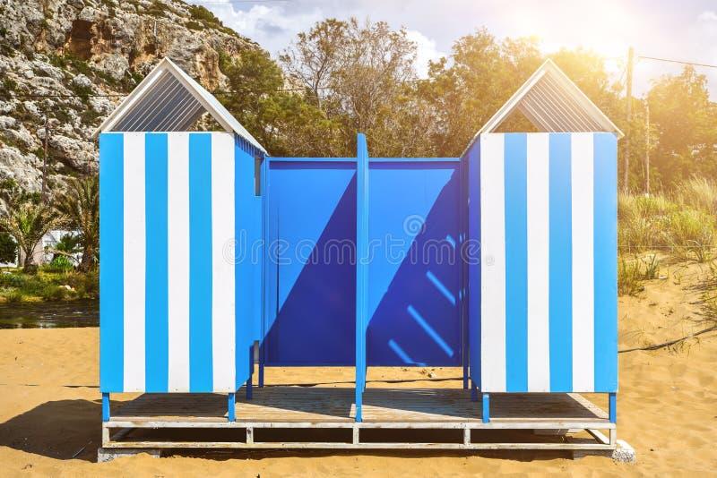 Cabanas em uma fileira Colorido, fotografia de stock royalty free