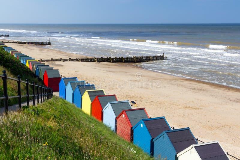 Cabanas Norfolk Inglaterra da praia de Mundesley imagens de stock