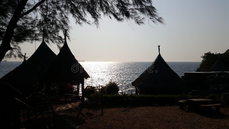 Cabanas pequenas no srichang do koh, Tailândia imagens de stock royalty free