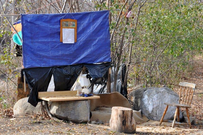 Cabane dans les bois images stock