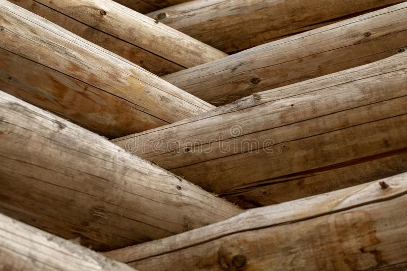 Cabane en rondins russe Fragment du mur de rondin Fond en bois photo stock