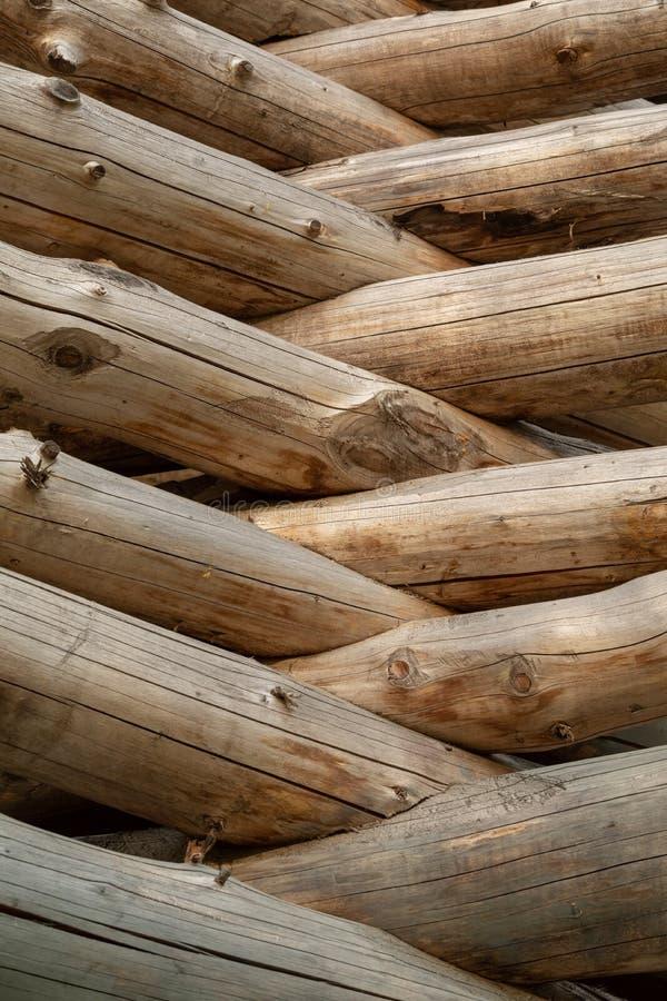 Cabane en rondins russe Fragment du mur de rondin Fond en bois photos libres de droits