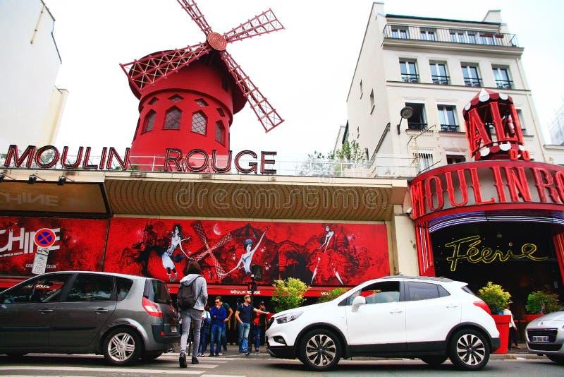 Cabaré do vermelho de Moulin em Paris fotografia de stock royalty free