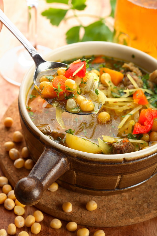 Free Cabbage Soup With Bean Royalty Free Stock Photography - 1940717