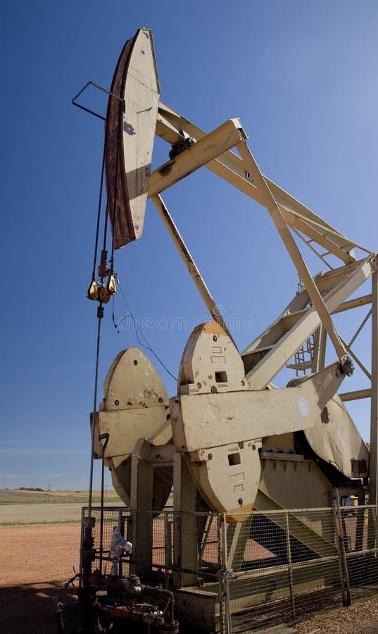 Cabeça da bomba do poço de petróleo imagem de stock royalty free