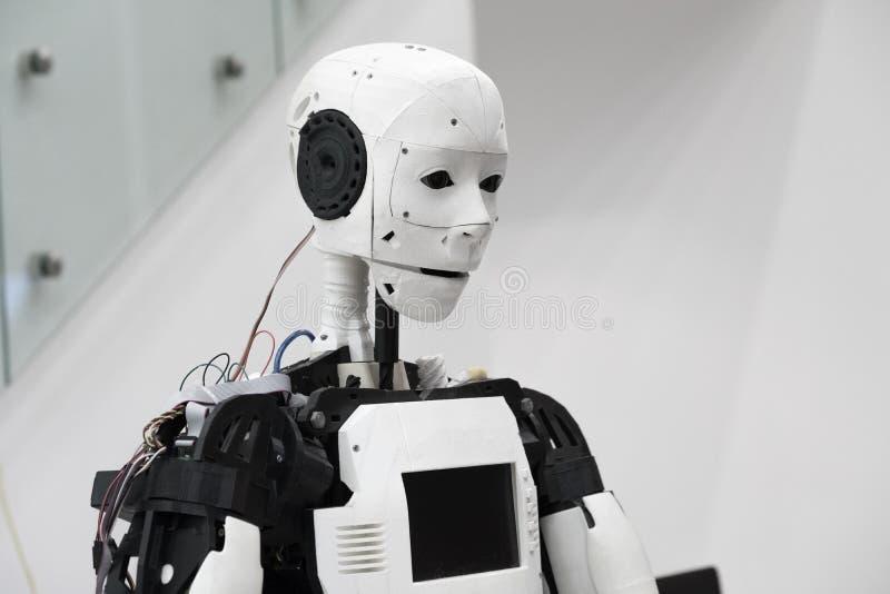 A cabeça do robô imagens de stock