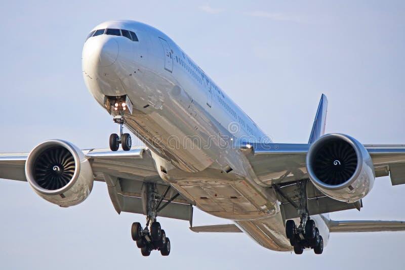 Cabeça na vista de Philippine Airlines Boeing 777-300ER fotografia de stock