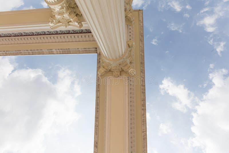 Cabeça romana da coluna foto de stock