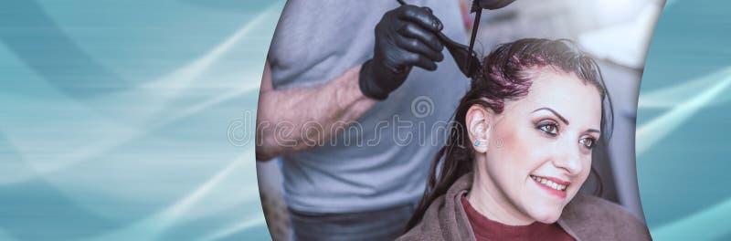 Cabelo colorindo do cabeleireiro; bandeira panorâmico fotos de stock