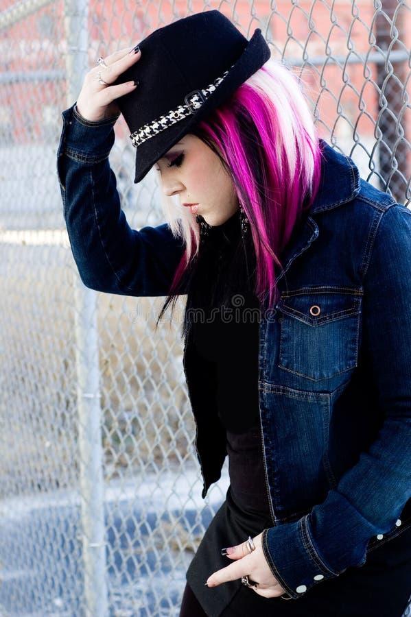 Cabelo punk do rosa da mulher da menina imagens de stock