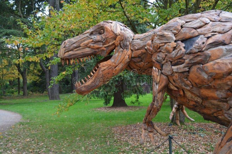 Cabeza del dinosaurio imágenes de archivo libres de regalías