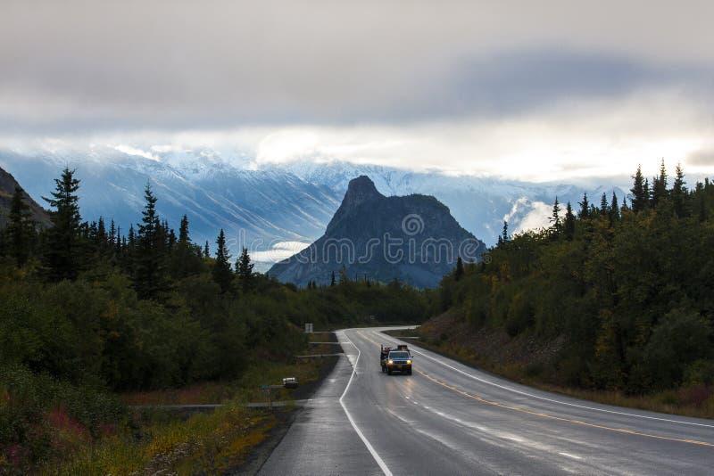 Cabeza del ` s del león en el extremo del camino en Alaska foto de archivo libre de regalías