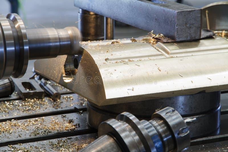 Cabezas que muelen de la fresadora del CNC imagenes de archivo