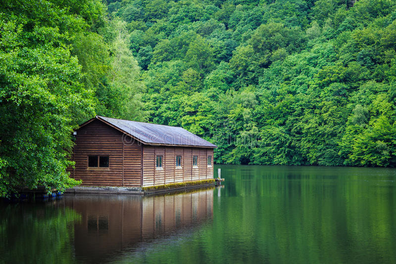 Cabin On The Lake Stock Image Image Of Lush Trees