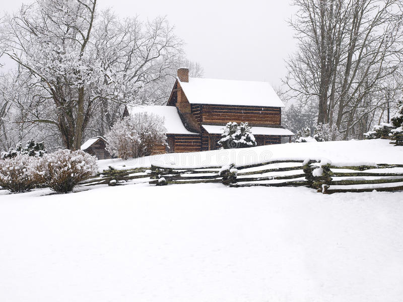 Cabina de registro en nieve foto de archivo libre de regalías