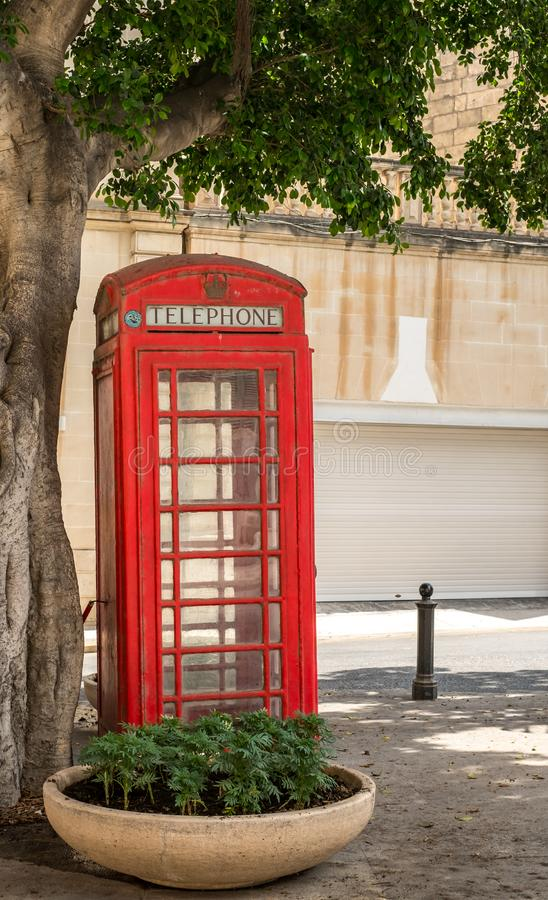 Cabina de teléfono británica tradicional fotografía de archivo libre de regalías