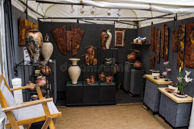 """Cabina dell'artigiano al sessantesimo †annuale """"Roanoke, VA di Art Show del marciapiede immagine stock libera da diritti"""