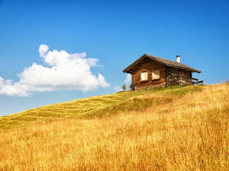 Cabina di ceppo immagine stock immagine di orizzontale for Disegni di cabina di log gratuiti