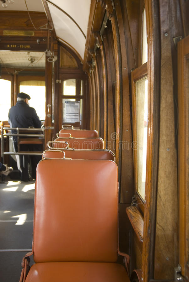 Cabina di funivia fotografia stock immagine di sede for Disegni di cabina di campagna