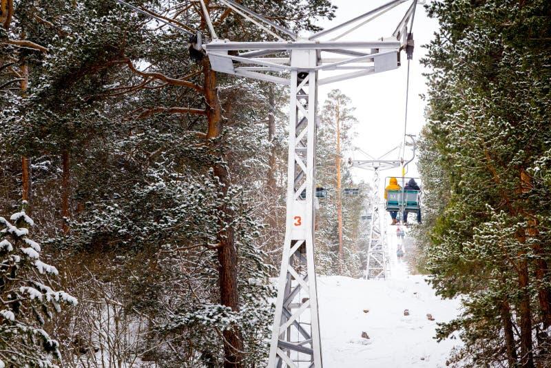 Cabina di funivia della montagna della neve, Elbrus, Russia fotografia stock libera da diritti