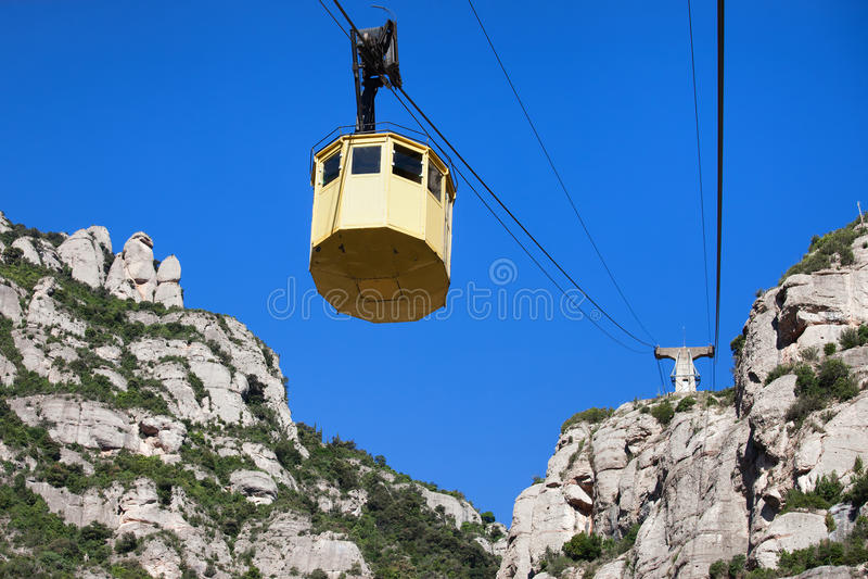 Cabina di funivia a Montserrat Mountain fotografie stock