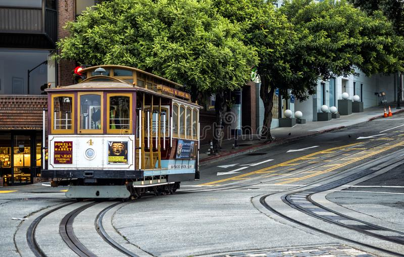 Cabina di funivia storica, linea sul 17 agosto 2017 - San Francisco, California, CA di Powell-Hyde immagine stock libera da diritti