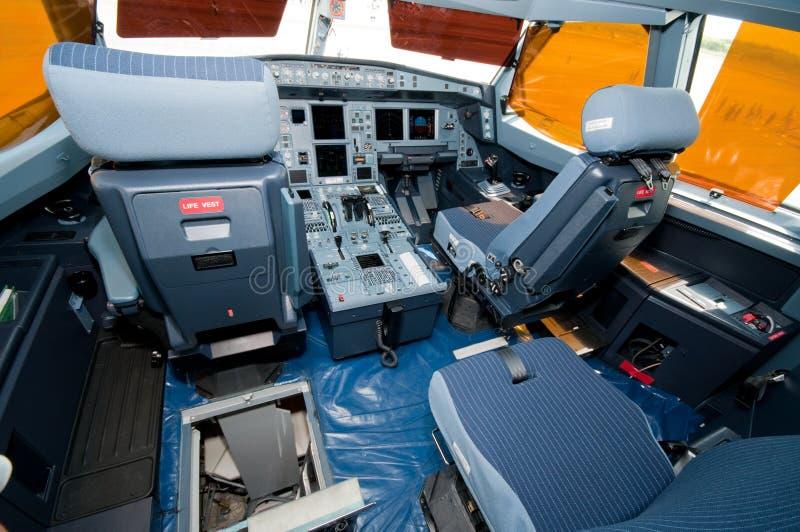 Cabina di guida di nuovo Airbus A320-200F fotografia stock
