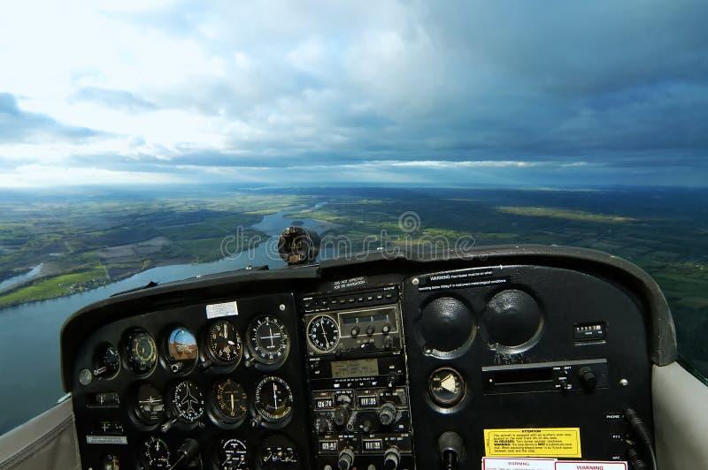 Cabina di guida dispersa nell'aria di Cessna con i percorsi immagini stock libere da diritti
