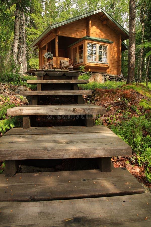 Cabina di legno fotografia stock immagine di calma for Cabina di legno