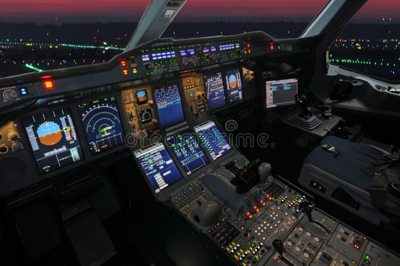 Cabina do piloto de Airbus imagens de stock royalty free