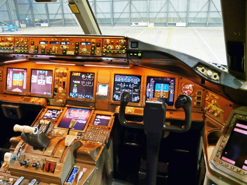 Cabina do piloto de aviões fotos de stock royalty free