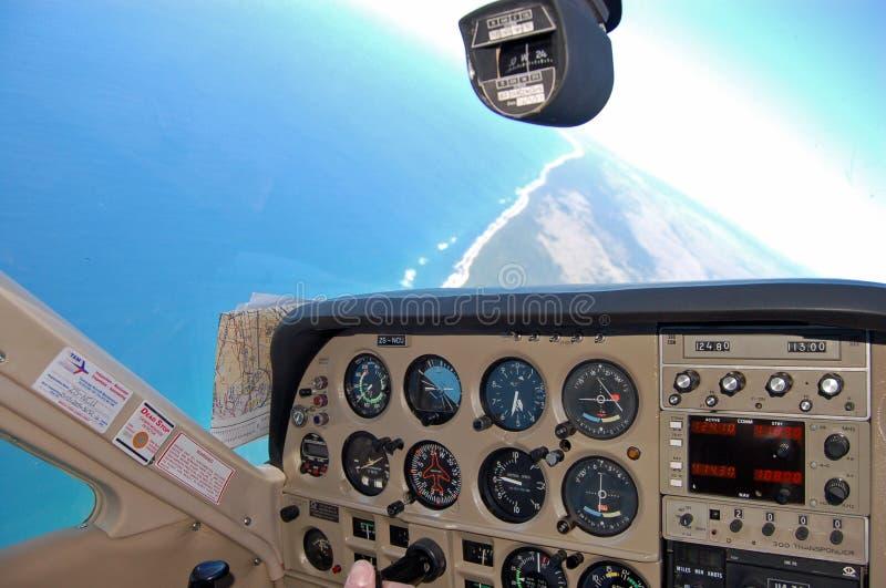 Cabina do piloto de um airplan cardinal do cessna imagens de stock royalty free